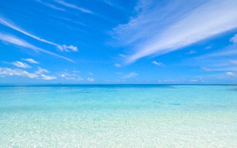 beach-calm-clouds