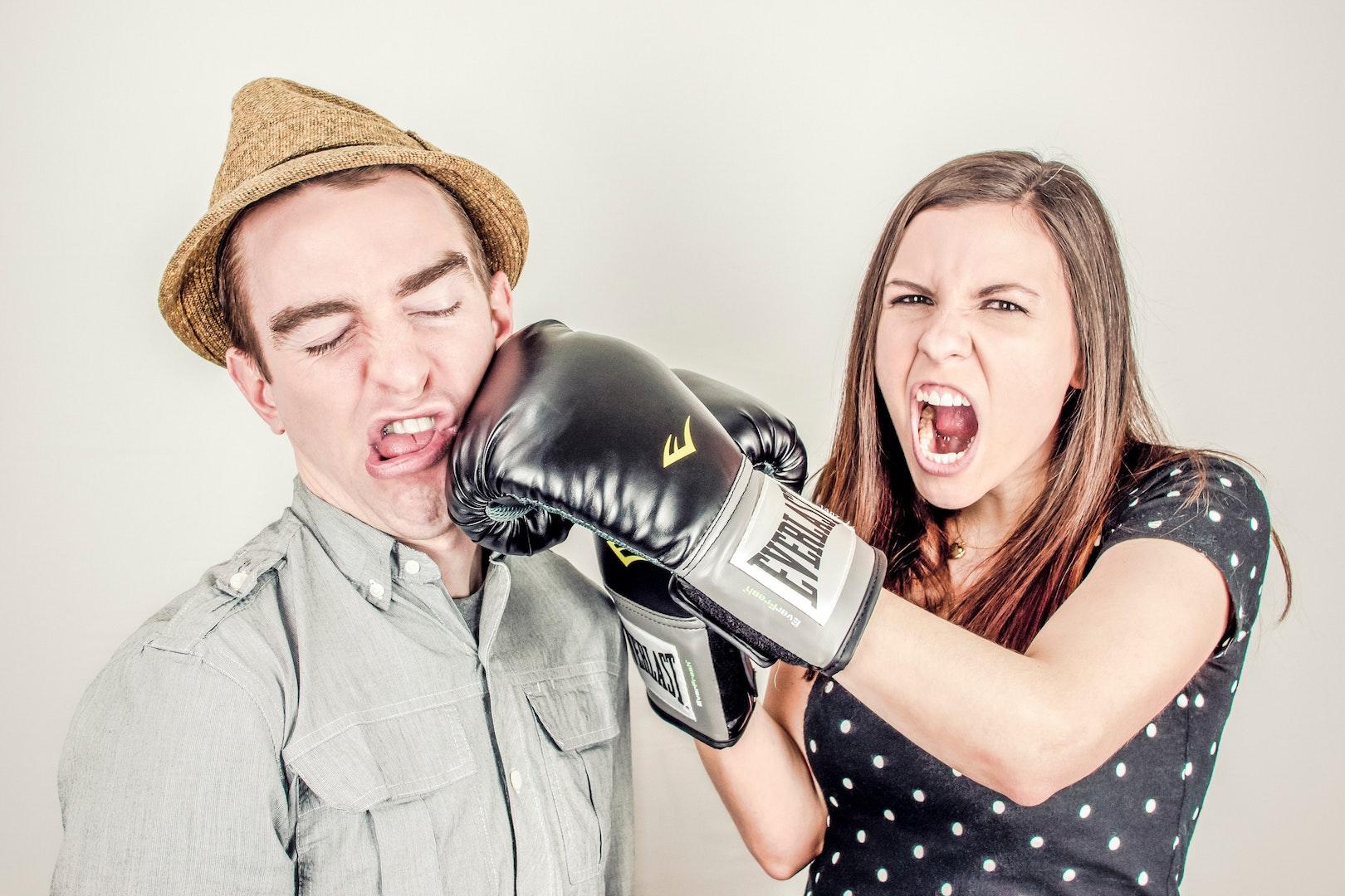 angry-woman-hitting-man