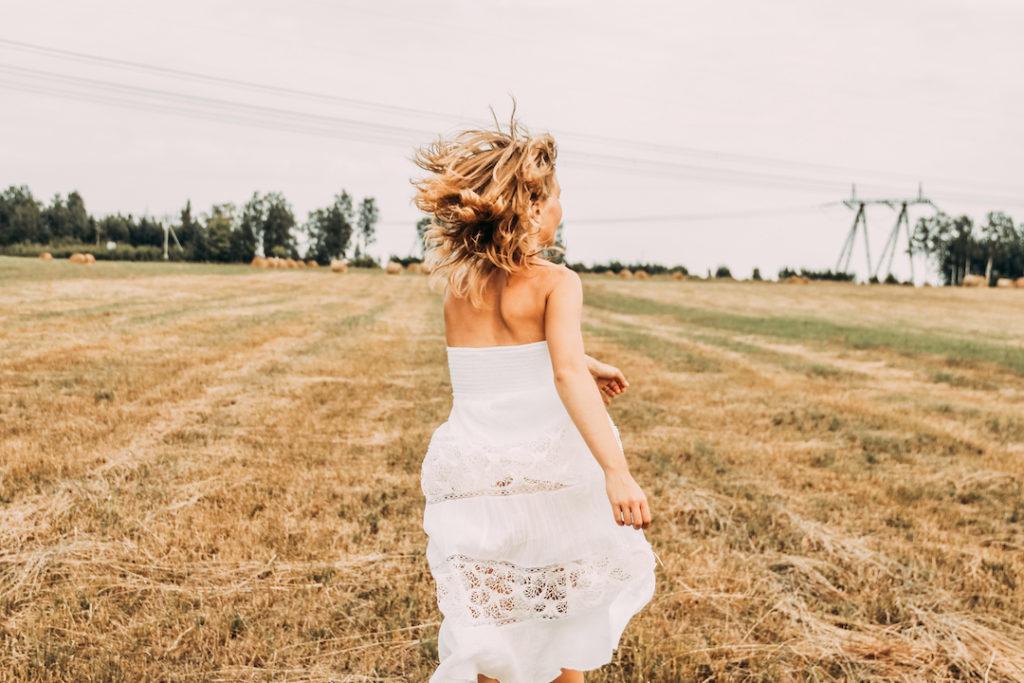 woman-running-white-dress